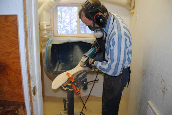 2014_Sept_30_17_Rod_carving_in_the_dirty_room.jpg